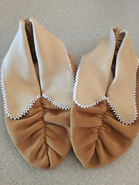 pucker_toe_moccasins_with_beaded_flaps.jpg